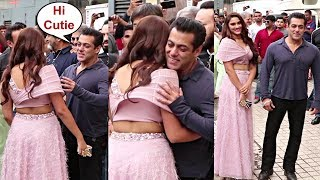 Salman Khan Sweet Moment With Sai Manjrekar At Dabang 3 Trailer Launch