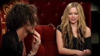 Watch Avril Lavigne Reject video