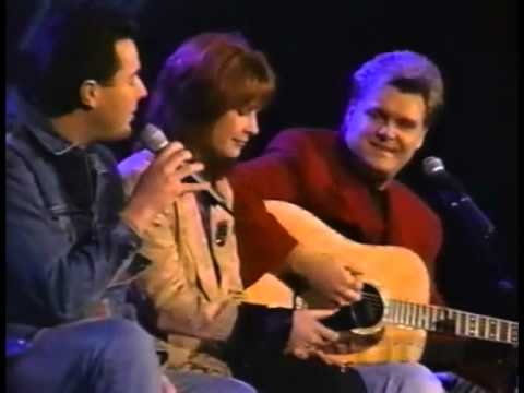 Ricky Skaggs, Patty Loveless, Vince Gill - Go Rest High On That Mountain [Live]