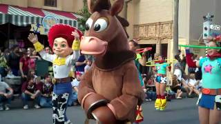Pixar Pals Countdown to Fun! parade - Disney's Hollywood Studios