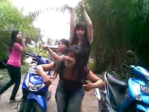 Cewek Abg Mabok Goyang Hot Sexy 2013 (kalsel).mp4 video