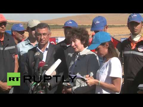 Turkey: UN official appeals for refugee aid at border crossing