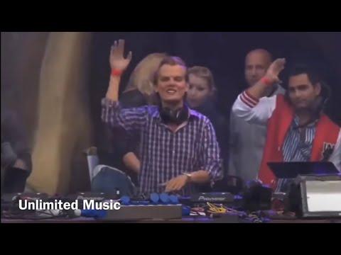 Avicii - Fade Into Darkness (Live At Tomorrowland 2011) (Avicii Fade Into Darkness Live)