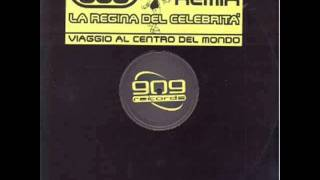 Watch 883 La Regina Del Celebrita video