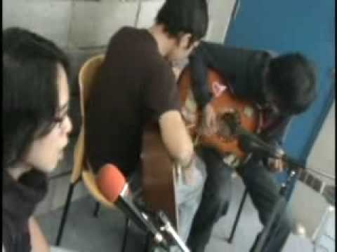 Video Group band indie rock music indonesia HardRock FM accoustic live Video