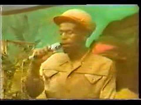 GREGORY ISAACS : Tune in Video
