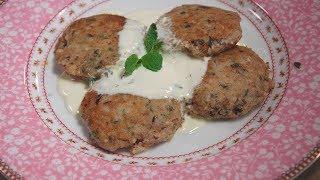 Юлия Высоцкая — Мятные сырники с маслинами и сметанным соусом