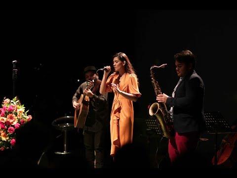 monita tahalea -- Saat Teduh ft. Bernie & Ricad Hutapea ( Konser Dandelion 2016 )