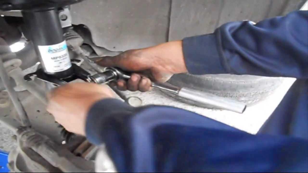 Amortiguadores De Carro >> REEMPLAZO AMORTIGUADOR BOGE DELANTERO DE UN CORSA HATCHBACK 1.8 L 2007 - YouTube