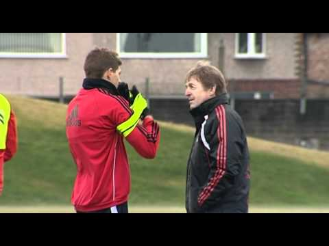 Kenny Dalglish's 1st Liverpool training Session