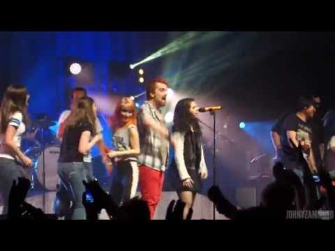 Paramore - FULL SET - Live from Boston (5/15/13)