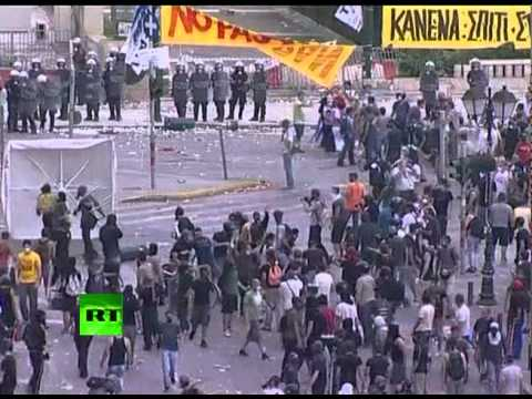 athens-riot-madness-video-of-explosions-tear-gas-in-greece.html