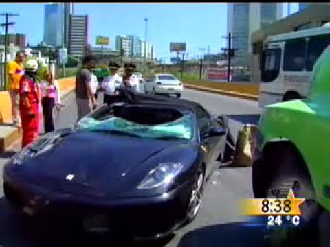 Ferrari choca en monterrey