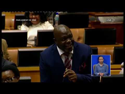 Chauke u lava swakudya (u want food) #malema #ZumaQandA