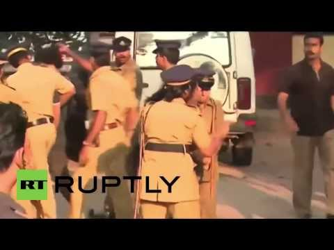 India: Scuffles and detentions at public KISSING protest