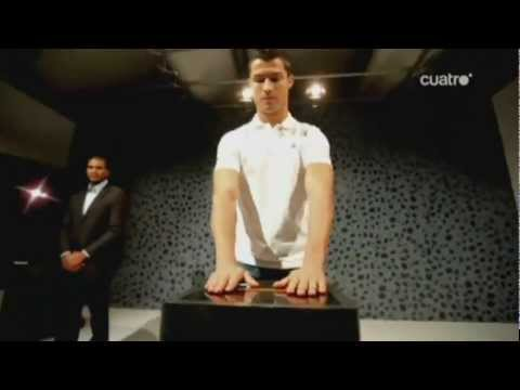 Agente especial lleva a Cristiano Ronaldo las nuevas botas d