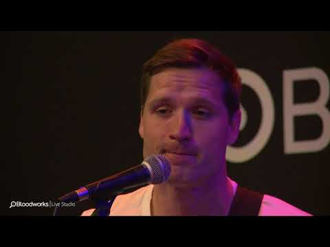 Walker Hayes - You Broke Up With Me (BULL 98.7)