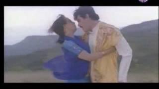 Vaanum Mannum Kattikondade Video Song from Kadhal Mannan