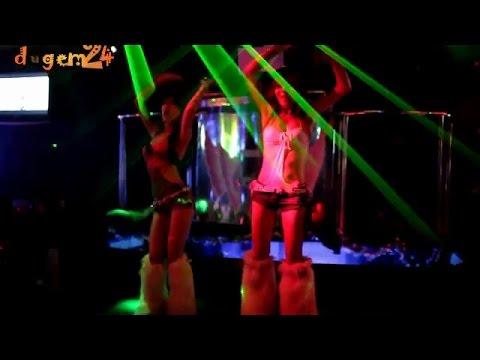 Goyang Erotis Di Club Malam video