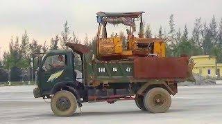 Bé xem xe ô tô tải chở máy ủi | Nhạc thiếu nhi : Bé rất ngoan | Tientube TV