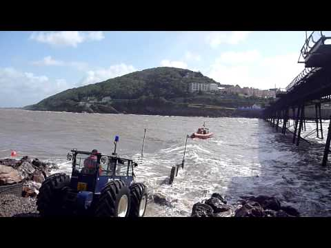 Weston-super-Mare superb recovery of atlantic 75 RNLI lifeboat in severe weather