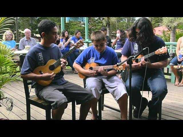 Kalama School Ukulele Band Performs at Lanai Uke Festival