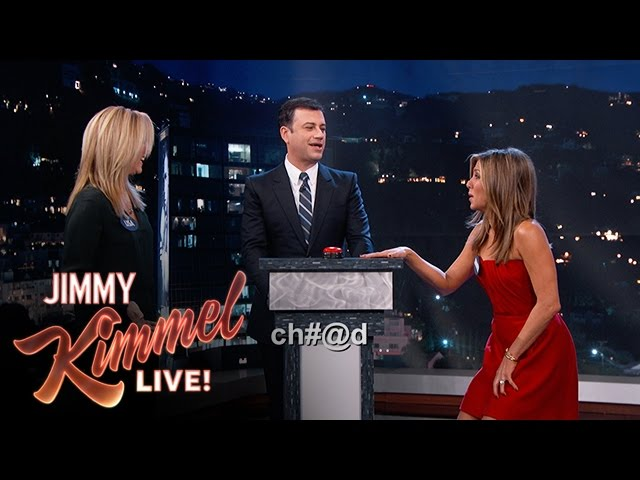 Jennifer Aniston vs. Lisa Kudrow in Celebrity Curse Off