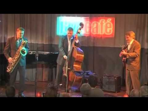 Jan Menu, Baritone Sax - move (dig D'diz) - Live In Amsterdam, The Netherlands (aug. 2007) video