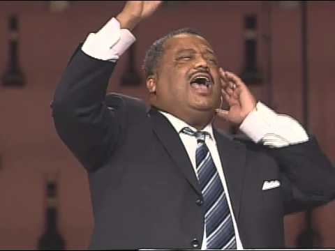 SBC President, Fred Luter, preaching at Oak Cliff Bible Fellowship