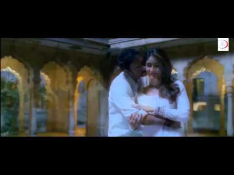 Kareena Kapoor Hot Scene From Satyagraha Ajay Devgan Desi Hot Kiss Sexy Bollywood Scene video