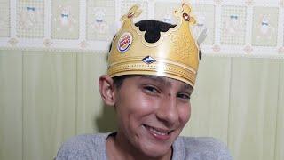 ASMR: Atendente do Burger king ROLEPLAY (Fala baixa, papel, copos, Tapping, sons com a boca)