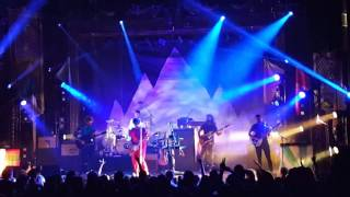 Young the Giant -  Repeat (Live @the Ogden)
