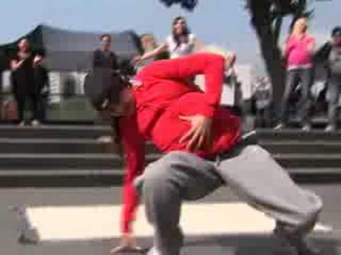 Flashmob: Pregnant women breakdancing in London