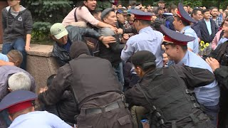 Toqaev Wins Kazakh Elections Amid Clashes and Detentions