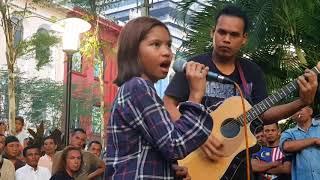 Download Lagu Sedap budak ni nyanyi,berdiri bulu roma kalau dengar Gratis STAFABAND