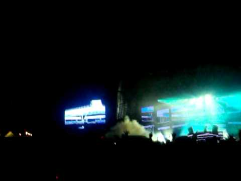 Creamfields 2010 - Tiesto - I'll Be There video