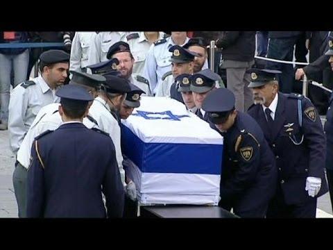Ariel Sharon's body lies in state in Jerusalem