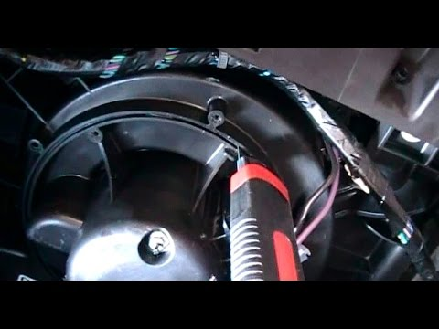 Replacing a AC / Heater Blower Fan on a 2008 Chevrolet Malibu