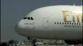 إقلاع الطائرة 380 ايرباص الشهيرة وذات