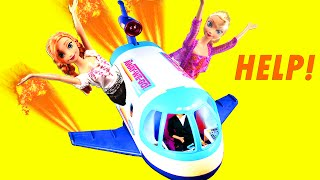 Frozen Elsa & Anna in a PLANE CRASH! Who Will Save Elsa & Anna? With Kristoff. Parody by ADollStory
