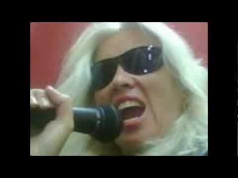 Gina Barkey - Born To Rock
