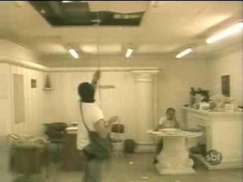 Pegadinha Silvio Santos: 'Ladr�o no Telhado