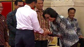 Jokowi Salami Menteri Terbaik Dunia, Sri Mulyani