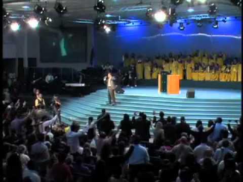 Cambia lo que Dices y Cambiará lo que Ves. Pastor Javier Bertucci (Domingo 10-04-2011)