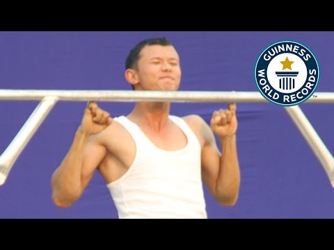 SPOTLIGHT - Most consecutive pinky pull-ups