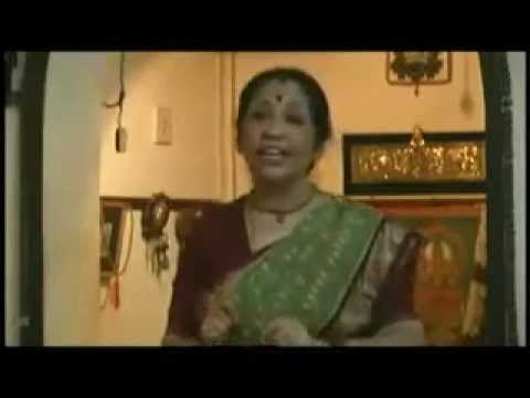 Nortn Indian Women Singing Mapila Song (appangal Embadum) video