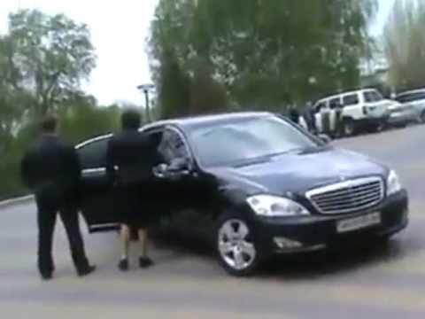 Донецкий вождь на машине  в 1 млн. Видео А. Мацуки