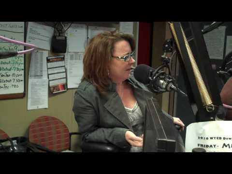 Kathleen Madigan LIVE In-Studio with WYCD Hollywood Entertainment Report