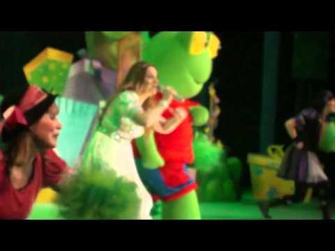 Cantando Con Adriana Cajita de Sorpresas Cantando Con Adriana 2012