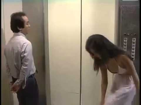 Sexy girl Want Sex In Lift